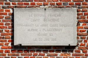 La plaque commémorant la mort du général Duhesme